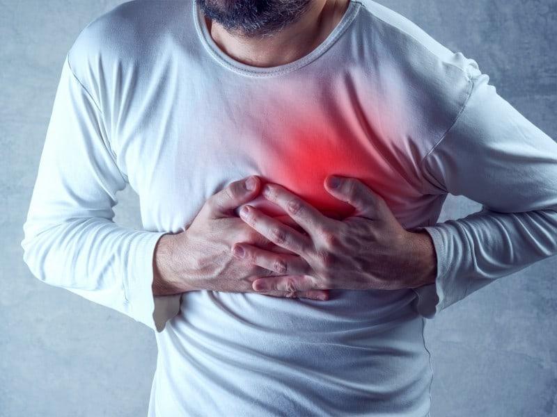 چه عواملي بجز مشكلات قلبي قفسه سينه شما را به درد مي آورد؟