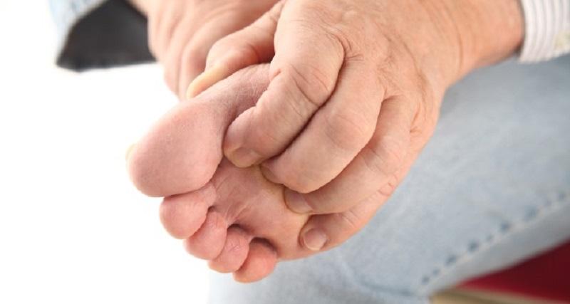 علت خارش پاها در شب چیست؟