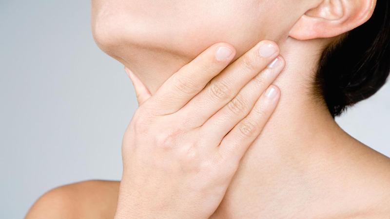 تشخيص سريع سرطان گلو+ علائم