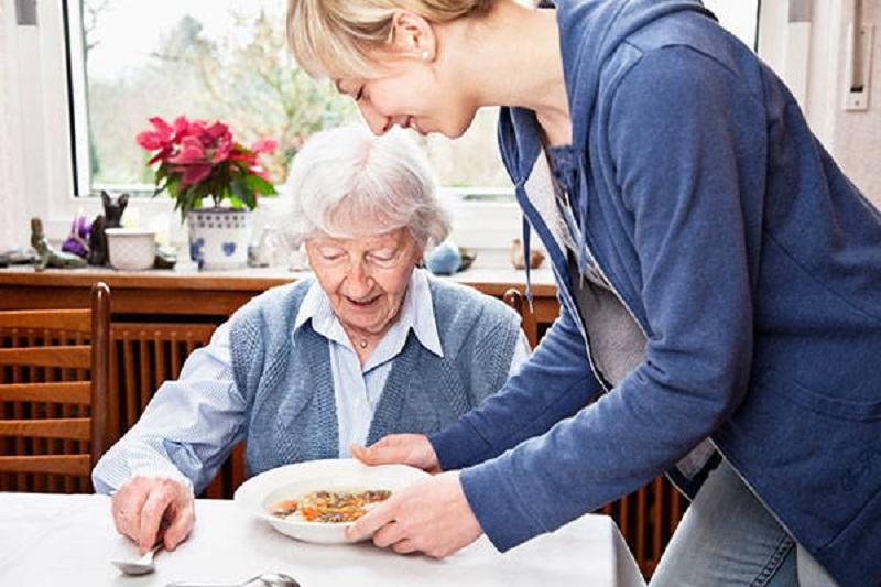 چگونه با سالمندان رفتار كنيم؟