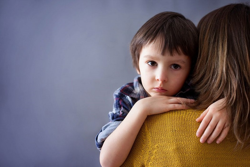 ۱۰ راهكار براي كاهش وابستگي كودك از مادر