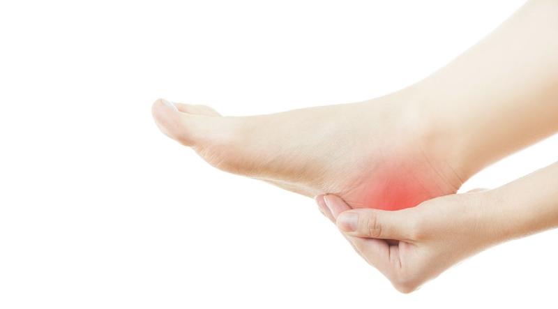چرا پاشنه پايم درد مي كند؟