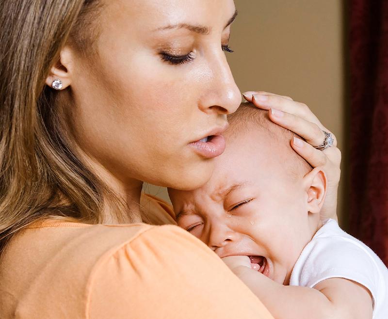12 راهکار موثر برای آرام کردن نوزاد بیقرار