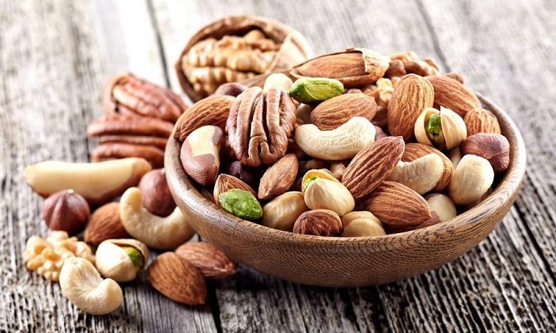 چهار ماده غذایی را هر روز مصرف کنید  تا دچار چاقی شکمی نشوید