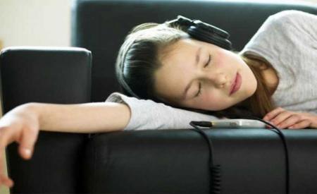 آیا یادگیری زبان در خواب ممکن است؟