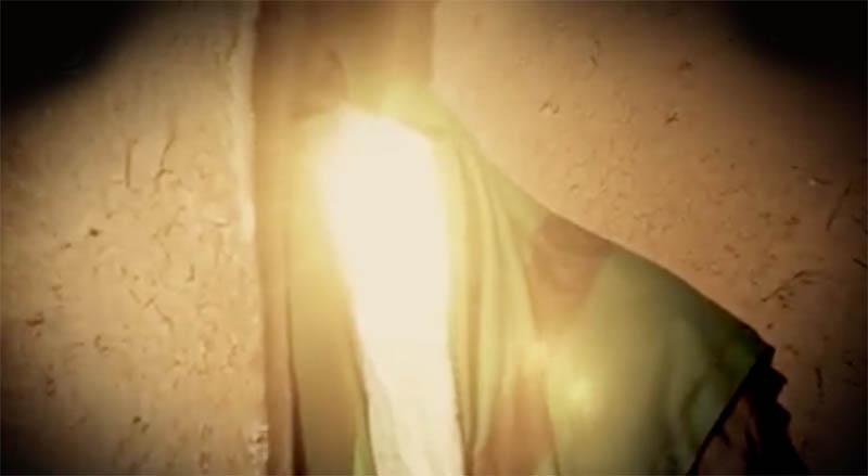 کتک زدن پیر زن توسط ماموران حکومتی! + فیلم