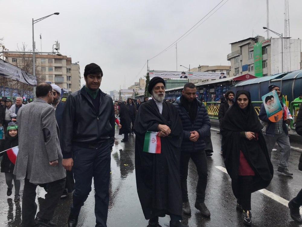 برادر کوچک رهبر انقلاب در راهپیمایی ۲۲ بهمن + عکس