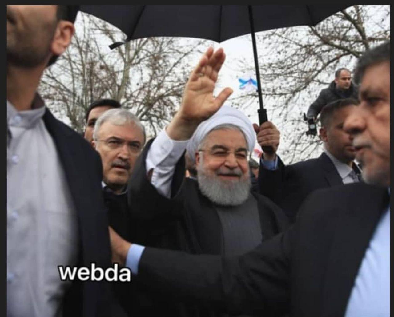 وزیر بهداشت در کنار رییس جمهور در راهپمایی 22 بهمن+عکس