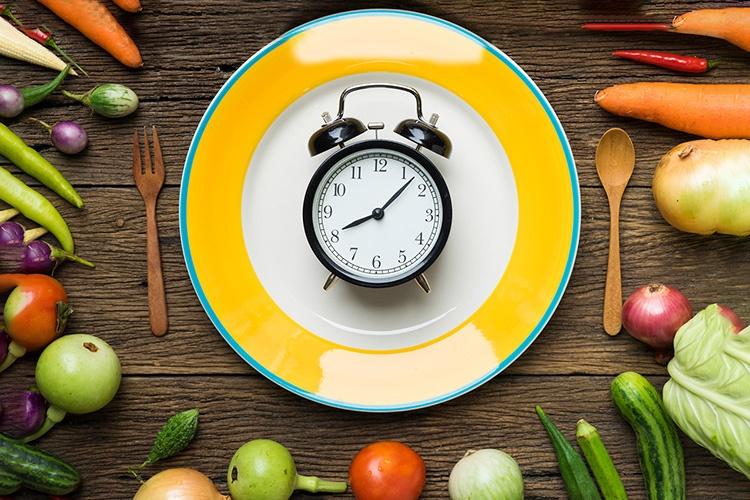 آشنایی با تحمل گرسنگی یا روزهداری، مشهورترین رژیم غذایی در دنیا
