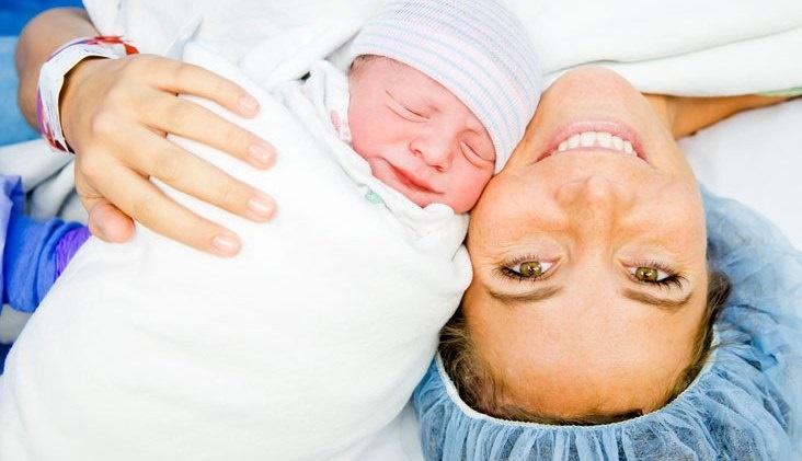 شیر دادن به نوزاد، چه تاثیری بر مغز مادر دارد؟
