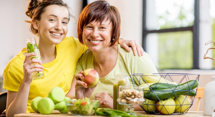 بیست ماده غذایی ضروری که همه افراد 45 سال به بالا باید مصرف کنند