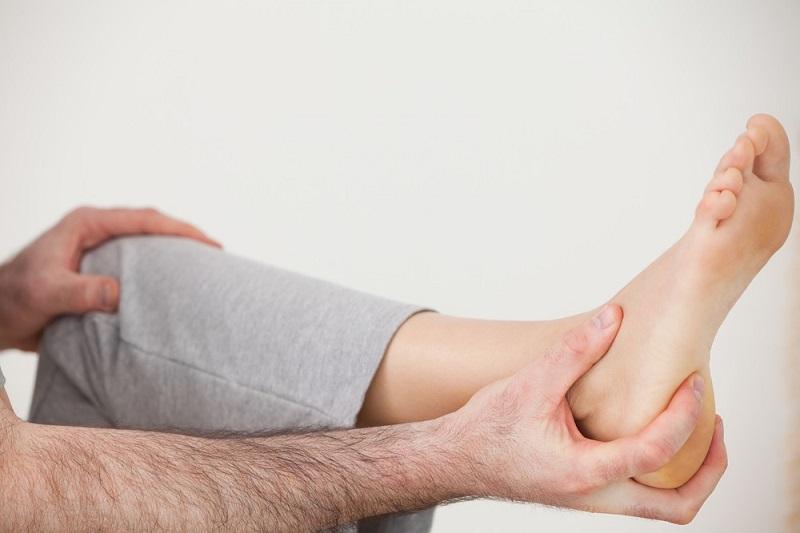 ۱۰ درمان خانگي براي از بين بردن درد پاها