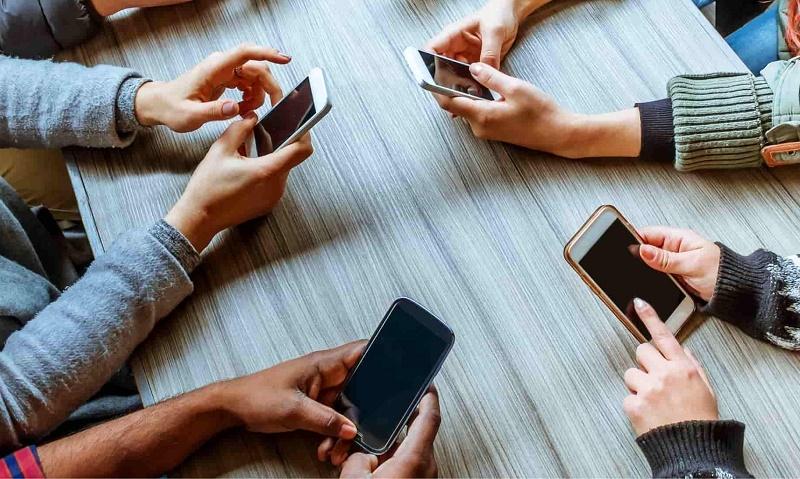 خطرات امواج تلفن همراه براي بدن انسان