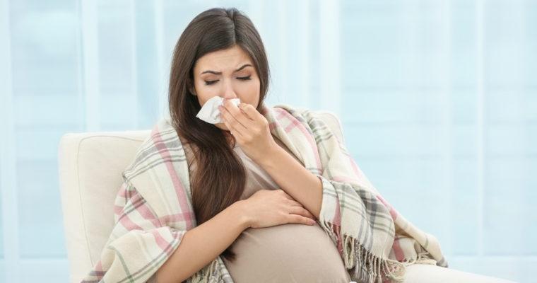چگونه وقتي باردار هستيد، سرماخوردگي يا آنفولانزا را درمان كنيم؟