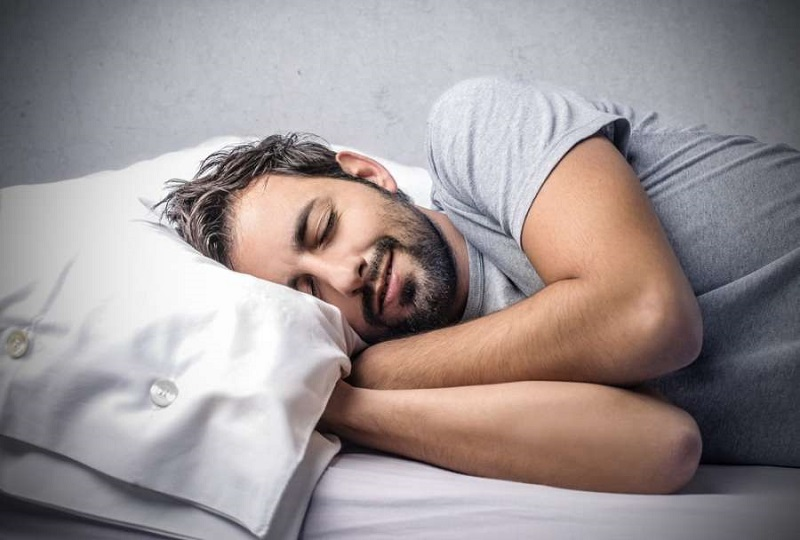 چرا در خواب حرف ميزنيم؟