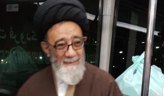 امام جمعه تبریز بدون محافظ در اتوبوس! + عکس