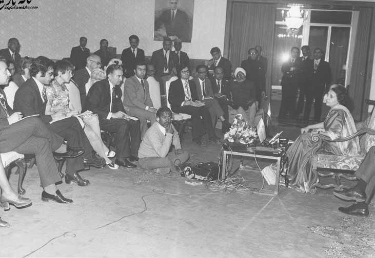 ۴۴سال قبل؛ مصاحبه مطبوعاتی ایندیرا گاندی در تهران + عکس