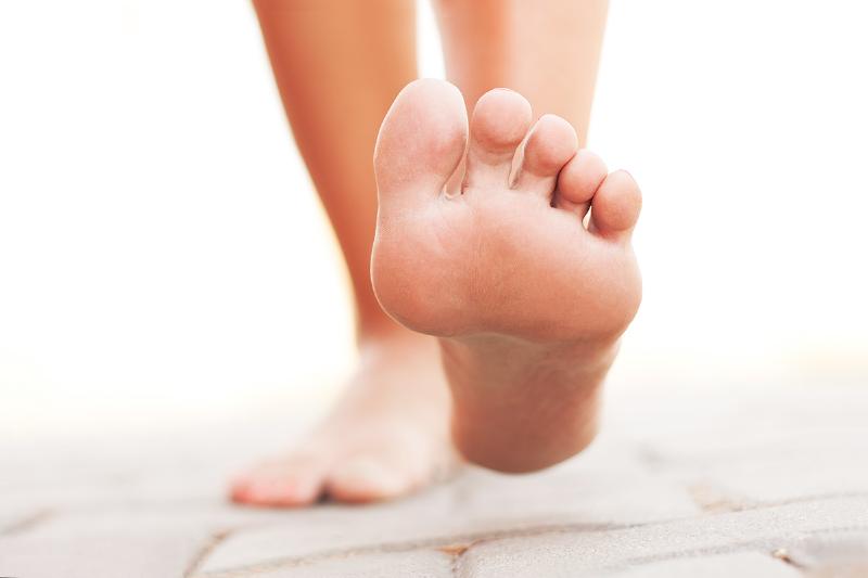12 روش برای جلوگیری از تعریق پاها
