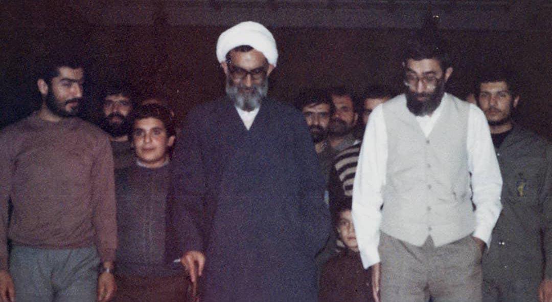 تصویری منتشر نشده از مرحوم واعظ طبسی درکنار رهبر انقلاب + عکس