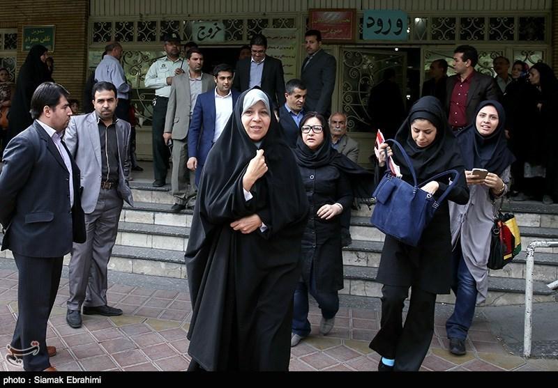 رفتار جالب فائزه هاشمی در میدان هفت تیر + عکس