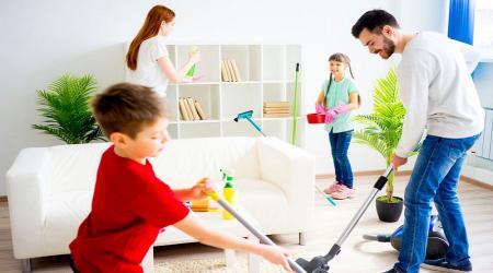 آموزش نظم به کودکان؛ خانهتکانی فرصت خوبیست