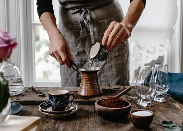 دمآوری با آب سرد یا گرم؛ سالمترین روش برای دمآوری قهوه کدام است؟