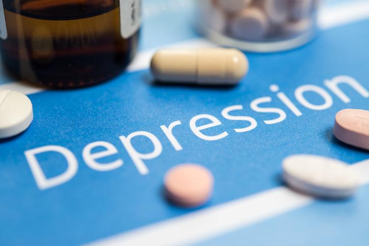 همه آنچه درباره درمان دارويي افسردگي بايد بدانيد
