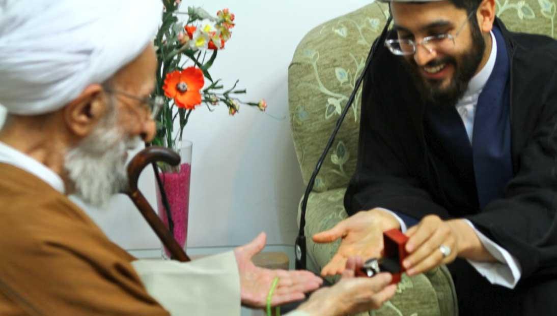 هدیه سردار سلیمانی به آیت الله مصباح یزدی +عکس