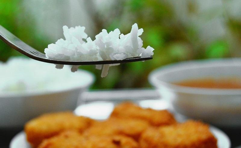 برنج را با این روش بپزید تا چاقتان نکند