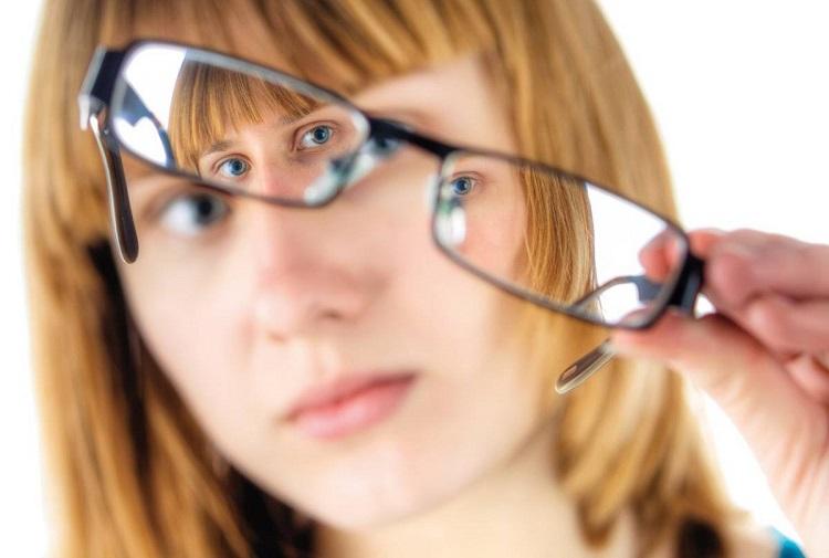 جراحی لیزیک جایگزین مناسبی برای عینک است؟