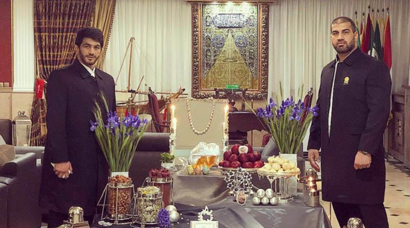 حسن یزدانى خادم الرضا شد + عکس