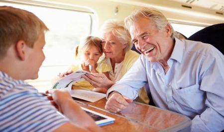 سفر با سالمندان و نکاتی که بهتر است بدانید
