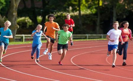 حضور در ورزشهای تیمی چه تاثیری بر مغز کودکان دارد؟
