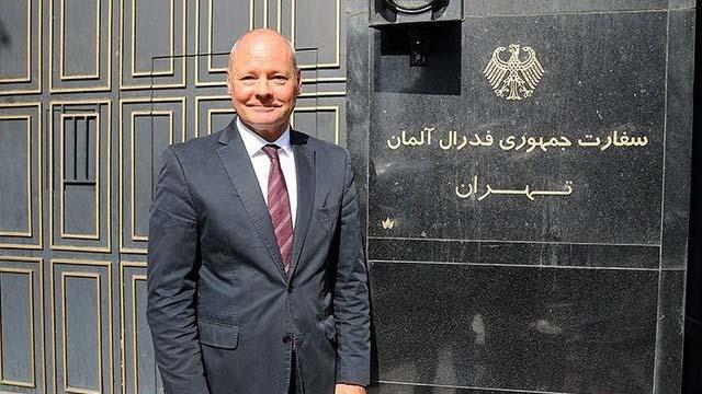 همدردی سفیر آلمان با سیل زدگان + عکس