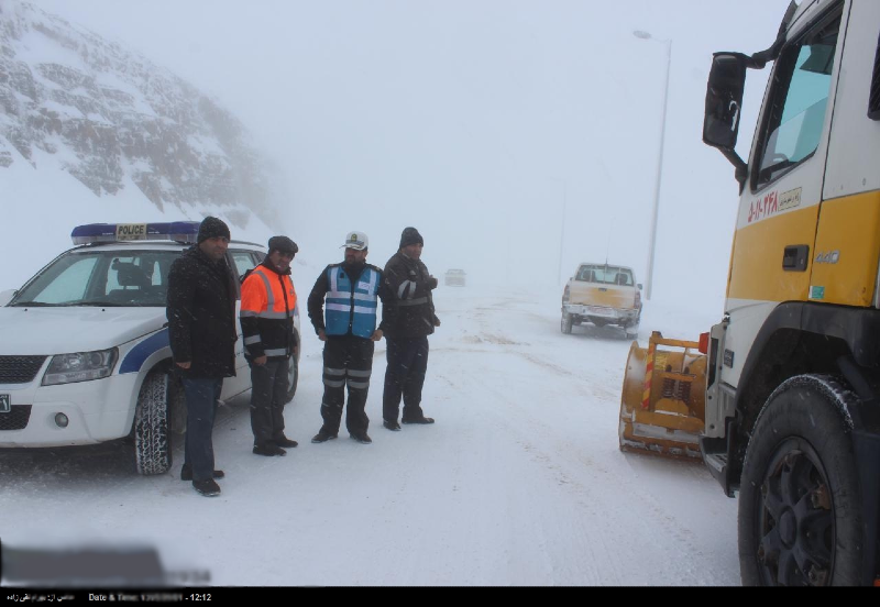 برف و باران در اکثر جادههای کشور