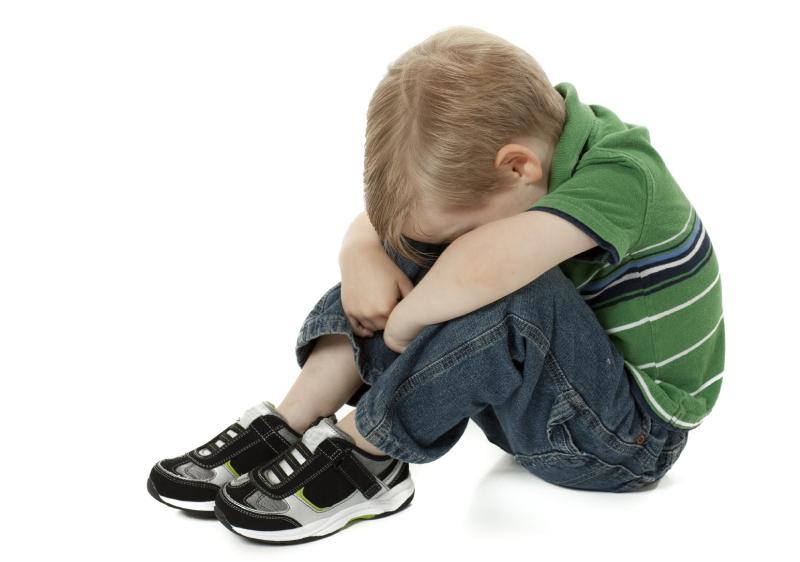 چه زمانی به کودک بگوییم پدر یا مادر واقعیاش نیستیم؟