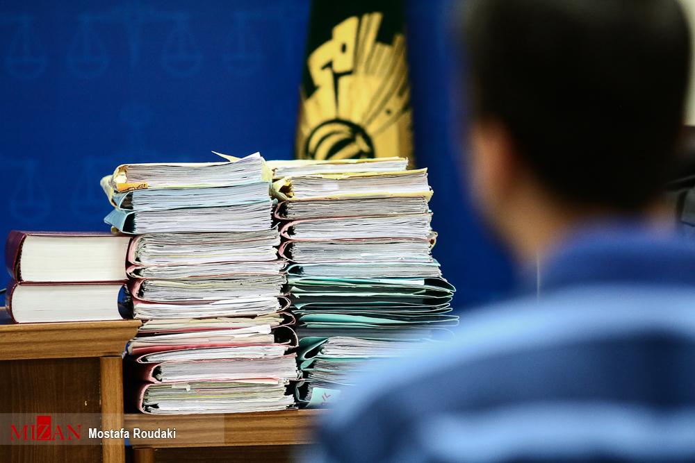 پرونده قطور مفسدان اقتصادی روی میز قاضی صلواتی + عکس