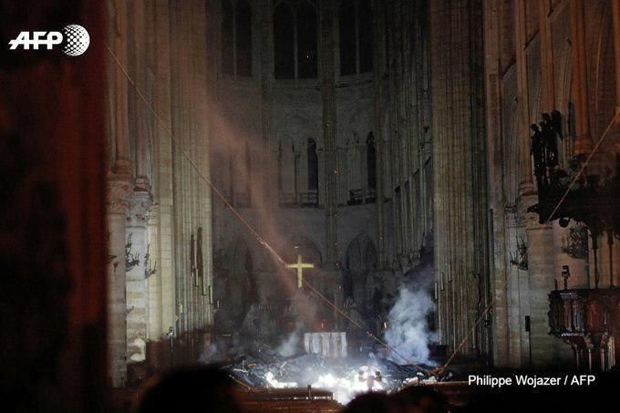 داخل کلیسای نوتردام پاریس پس از آتشسوزی + عکس