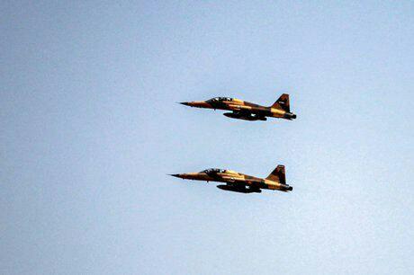 نخستین پرواز جنگنده ایرانی «کوثر» در آسمان تهران + عکس