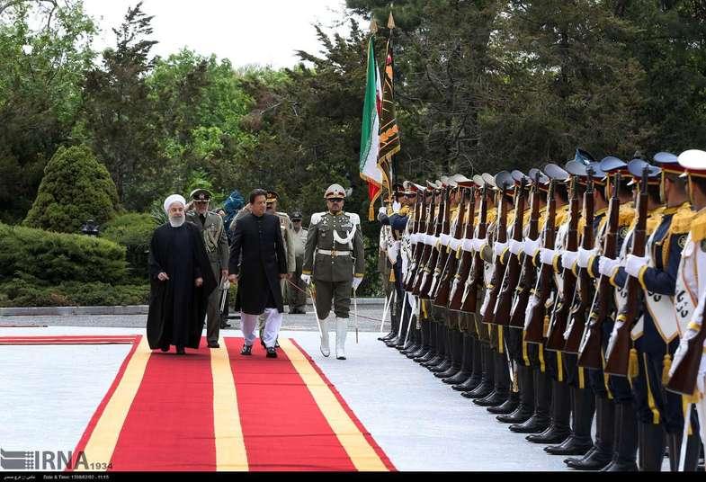استقبال رسمی روحانی از «عمران خان» + عکس