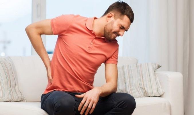 چند حرکت کششی ساده برای تسکین درد دیسک کمر