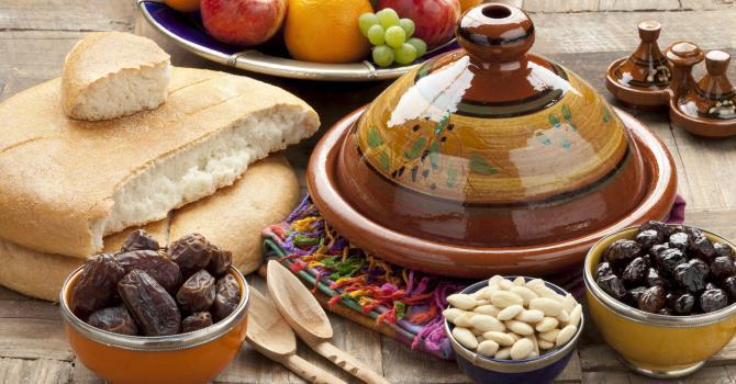 مصرف روزی 10 عدد خرما در ماه رمضان چه فایده ای برای بدن دارد؟