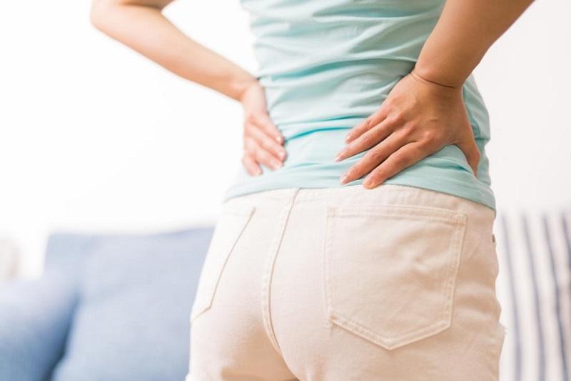 برای کدام نوع کمر درد به پزشک مراجعه کنیم؟