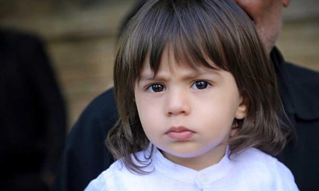 پسر بهنام صفوی در مراسم تشییع پدر + عکس