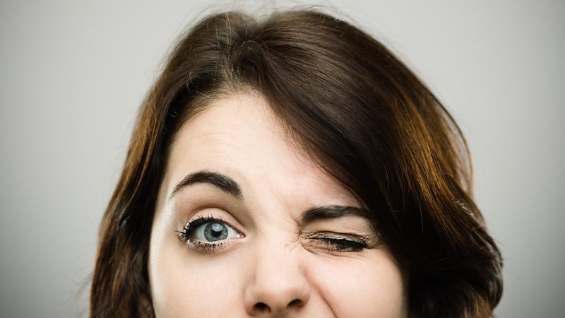 درباره پرش پلک چشم بیشتر بدانید