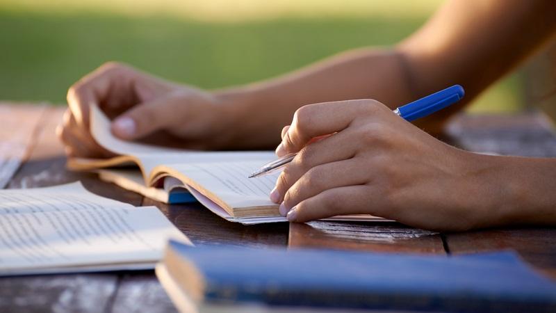 بیشتر درس بخوانید تا سالمتر باشید
