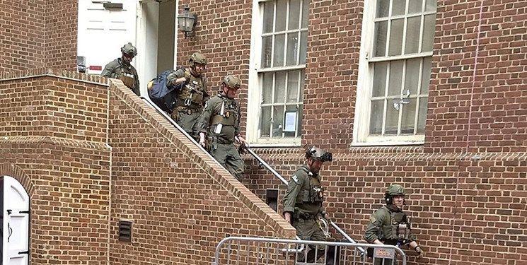 اشغال سفارت ونزوئلا در واشنگتن توسط مخالفان + عکس