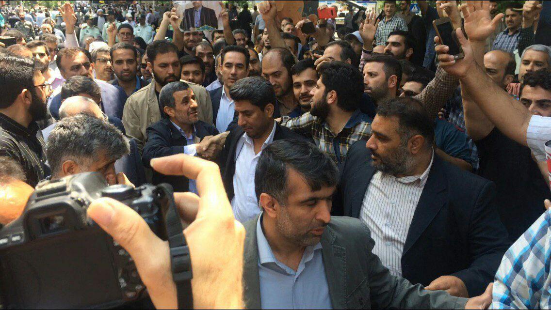 حرکات جالب احمدی نژاد در روز قدس! + عکس