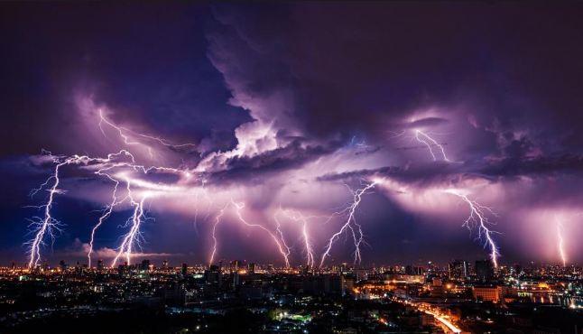 رگبار باران همراه با رعدوبرق کدام استانها را در بر میگیرد