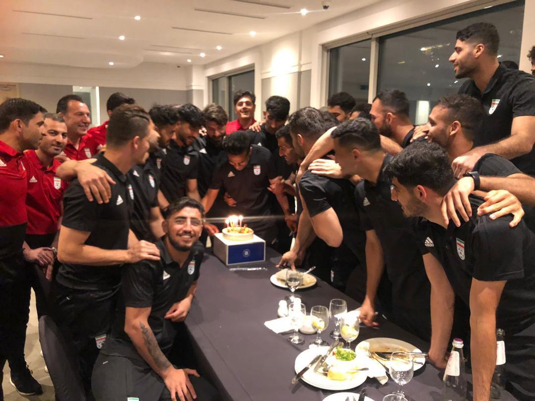 جشن تولد مسعود شجاعی در اردوی تیم ملی + عکس